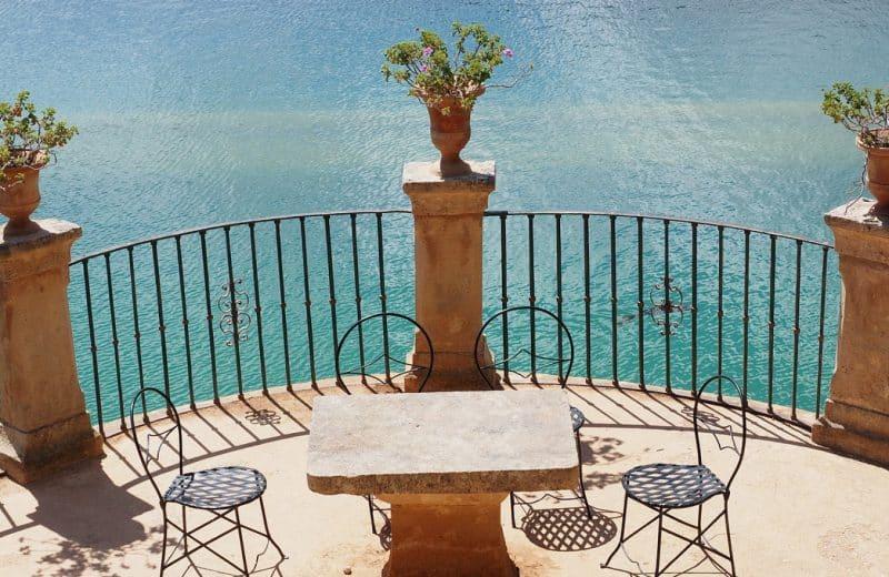 Quel est le prix d'un plot pour une terrasse ?